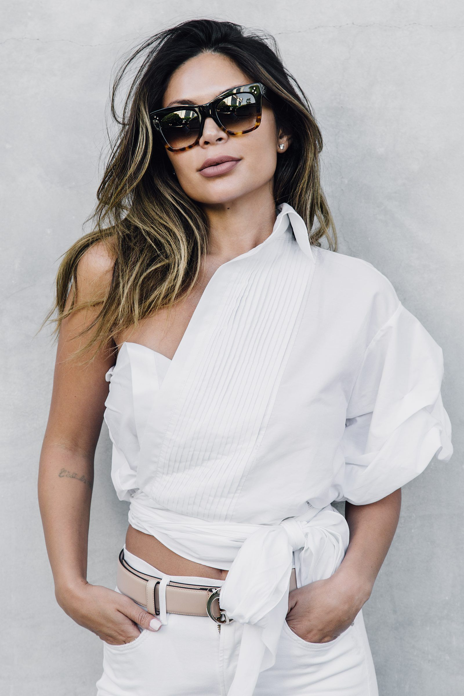 c5bfb4c5f69d MARIANNA HEWITT BLOGGER OUTFIT HAIR POST - NOT YOUR BASIC WHITE SHIRT -  GUCCI BAG BELT SHOES - LIFE WITH ME