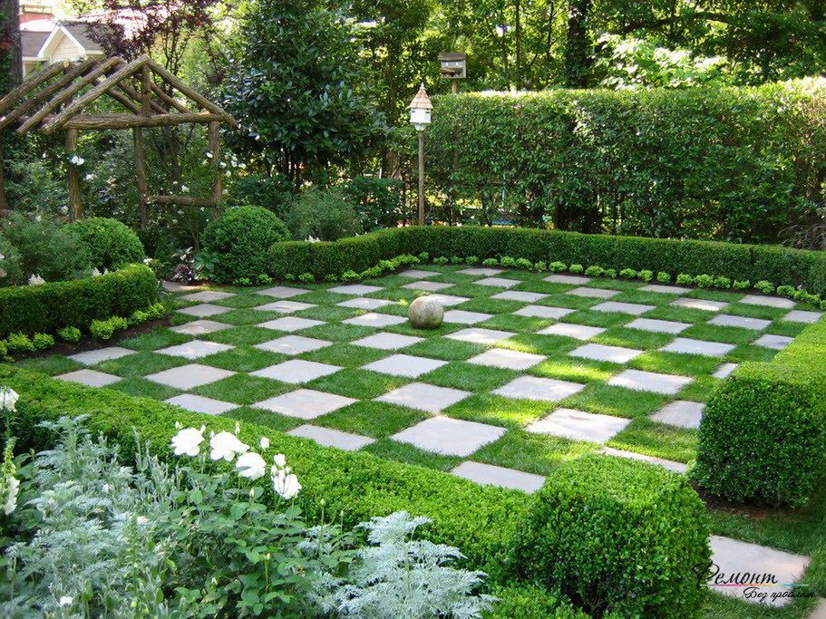Checkered green grass lawn with wooden pergola for for Grass design ideas