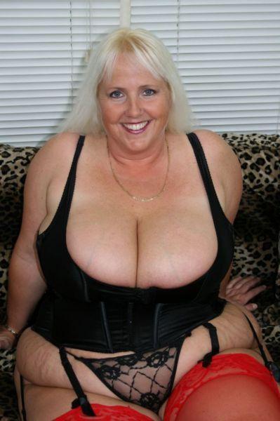 Busty Grannys On Bustygranny Meet A Big Boobed Granny Near You With Many Horny Mature