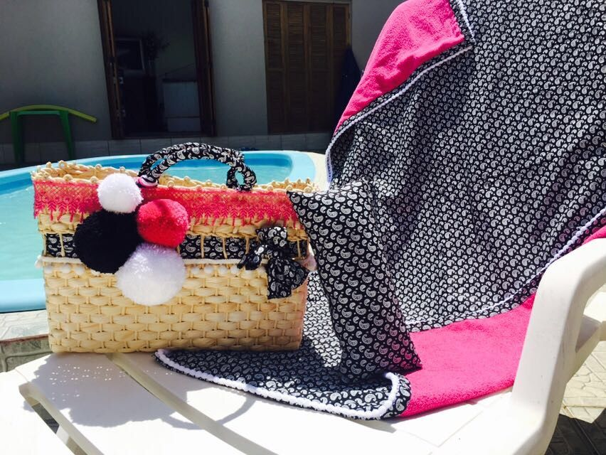 Conjunto de Max bolsa com toalha e travesseiro R$260,00