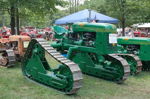 The Oliver Cletrac HG-68 Hi-Crop belonging to Lanny Ross at the National Pike show in 2008.