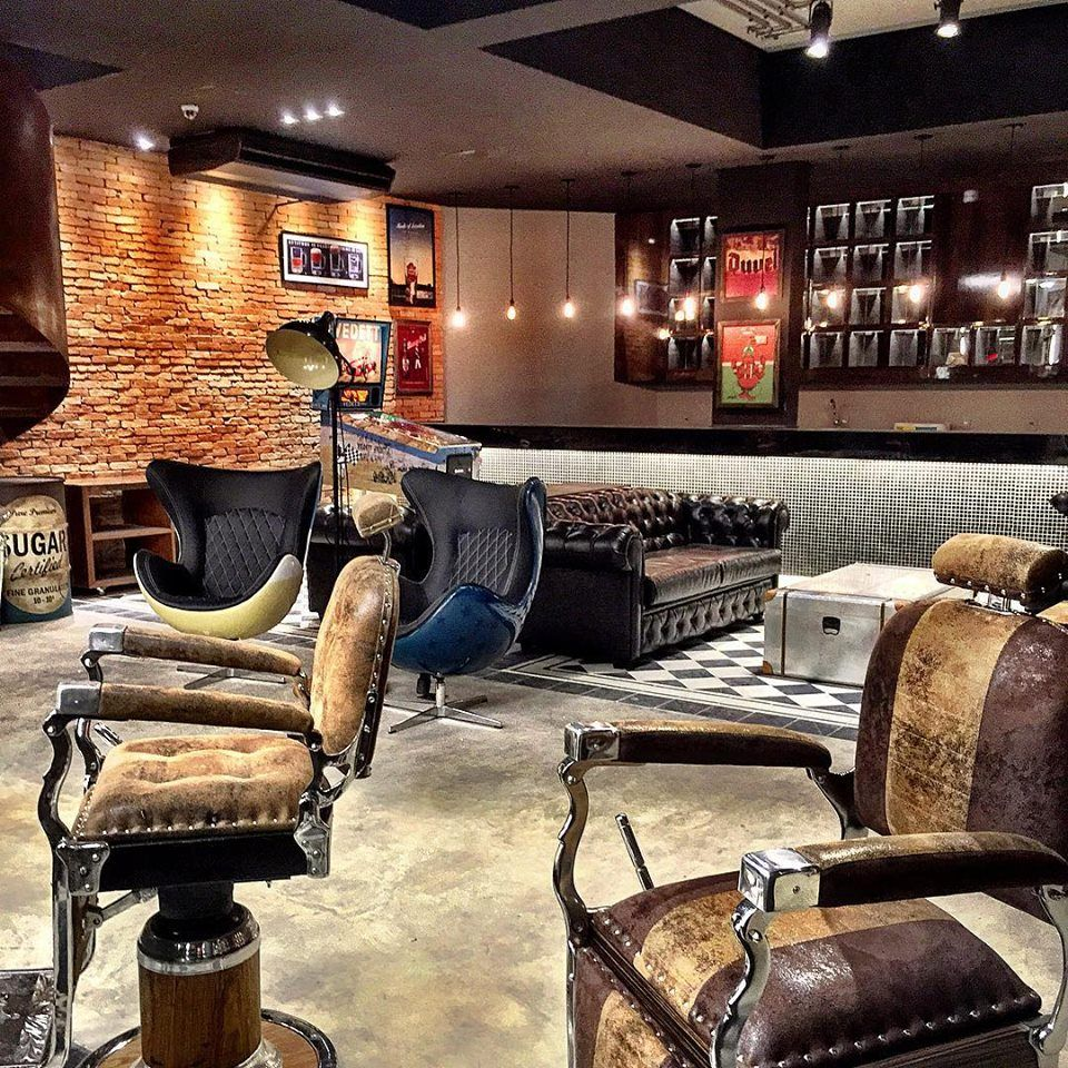 Pin by Garry Coleman on Barber shop | Barber shop decor ...