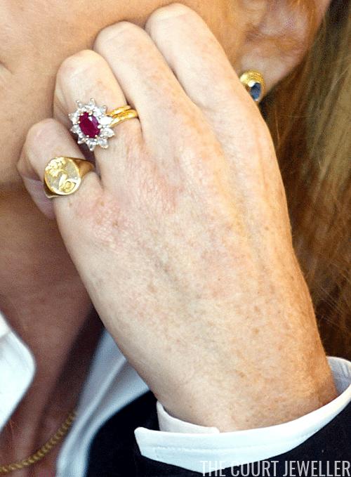 Image Result For Sarah Ferguson Engagement Ring Royal Engagement