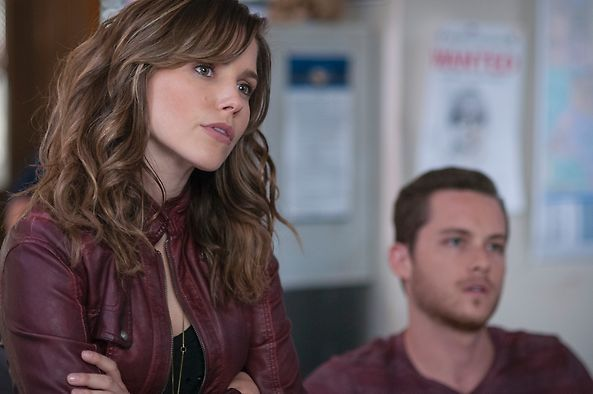 Chicago P.D. Detective Erin Lindsay and Detective Jay Halstead. love them