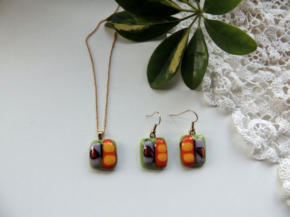 Fused glass necklace/earringsglass by Homeforglasslovers on Etsy, $30.00