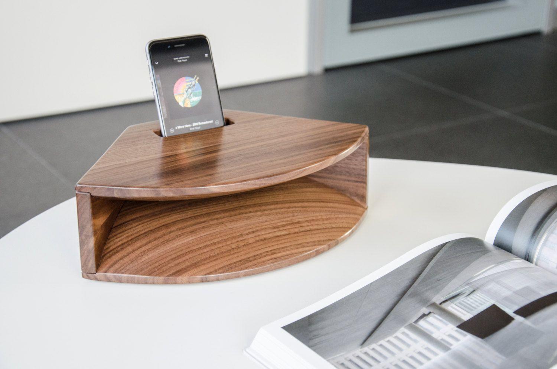 Acoustic iPhone Speaker Wood / Wood speaker amplifier by Wechselwirkung on Etsy https://www.etsy.com/listing/262608384/acoustic-iphone-speaker-wood-wood