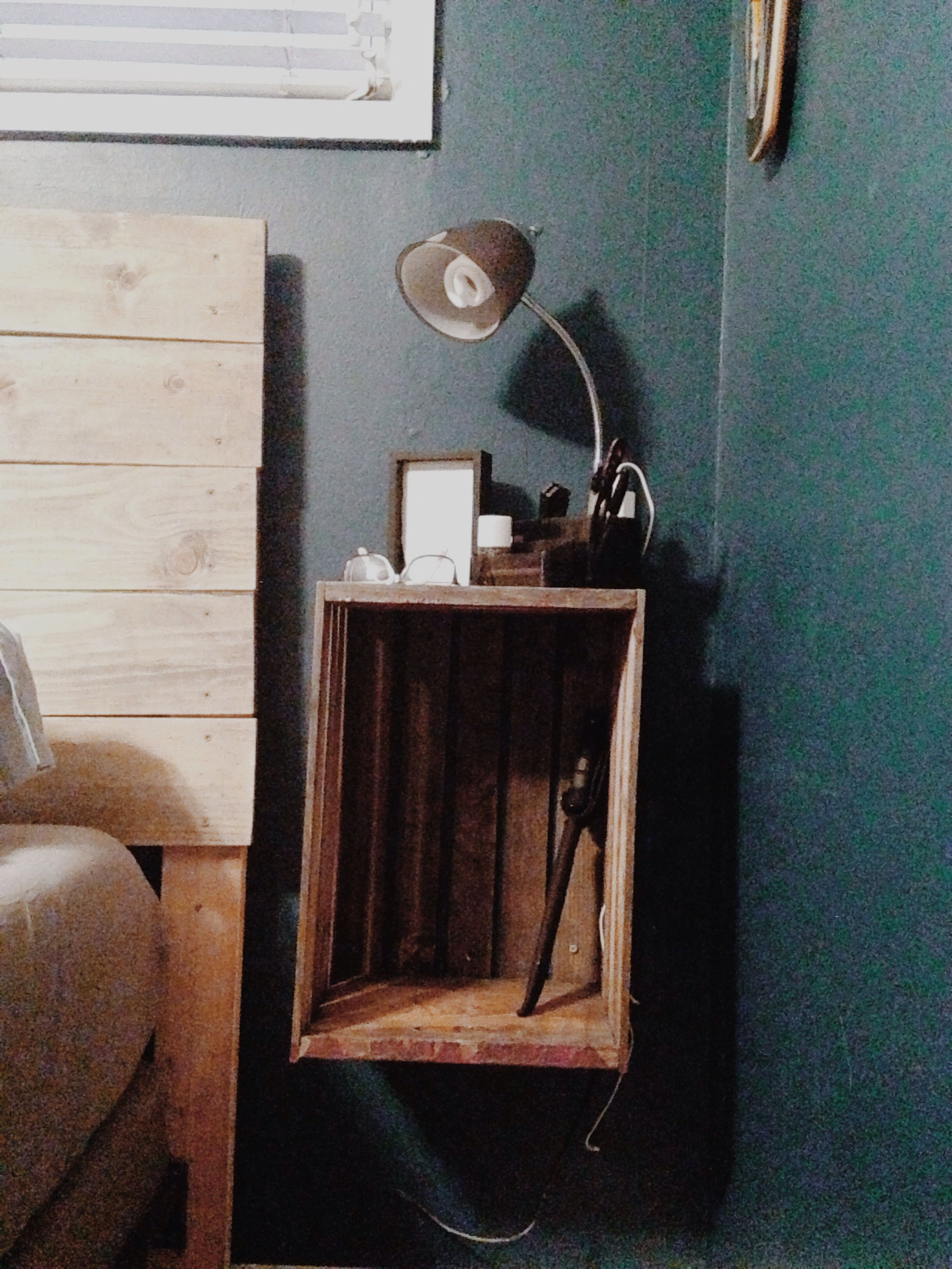Diy Reclaimed Old Crate Into Floating Nightstands Floating