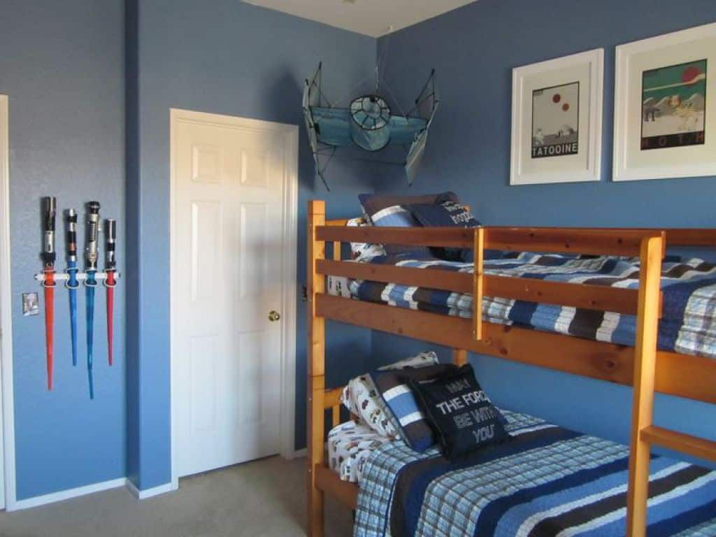 Awesome Star Wars Bedroom For Your Kids | Star wars bedroom, Awesome ...