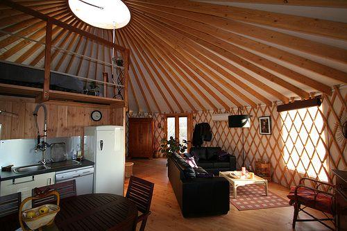 yourte contemporaine usage d 39 habitation yurt pinterest yourte contemporain et. Black Bedroom Furniture Sets. Home Design Ideas