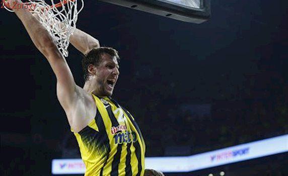 Basketbalista Veselý získal jako třetí Čech v historii titul v Evropské lize
