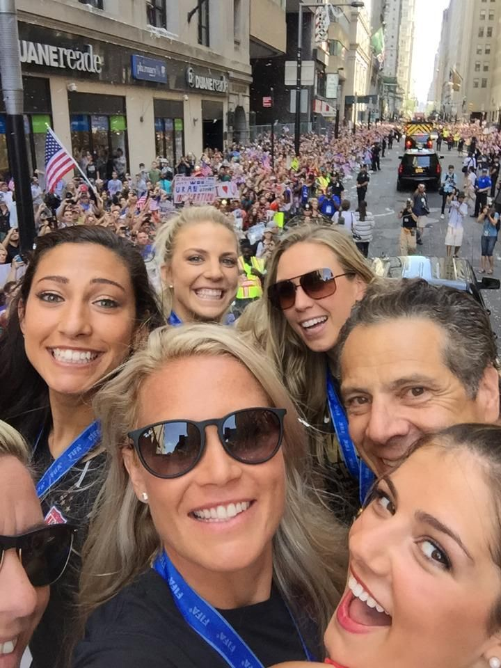 Selfie on float #2 with @NYGovCuomo #Living what a dream! #NYC https://sqor.com/posts/4e3f4b75-e3a5-4062-8ea9-b0f9bd44d13d/uid/79226…