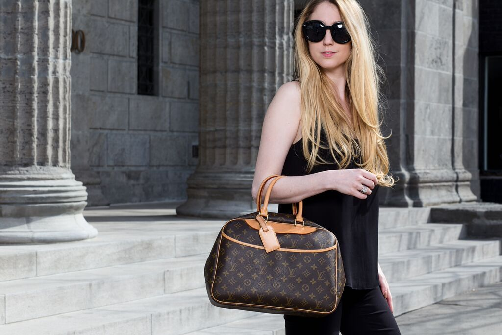 Shop Fabulous Pre Owned Luxury Bags At A Fraction Of The Cost From Louis Vuitton Louis Vuitton Deauville