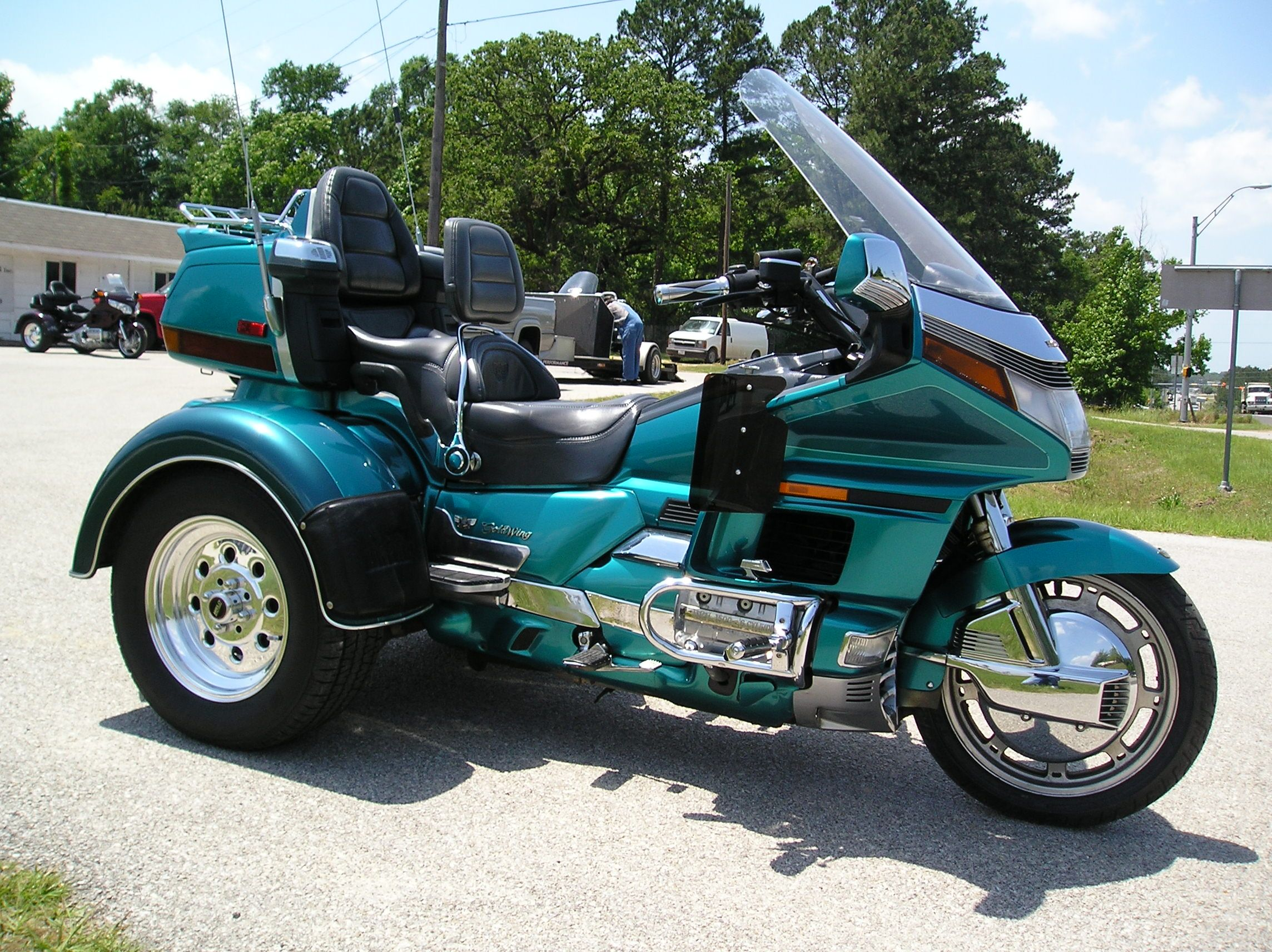 repossessed motorcycle trikes for sale | 2008 honda goldwing trike
