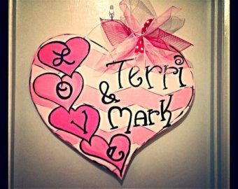 Valentine door hanger, valentine wreath,Chevron valentine heart door decor,wooden door hanger,popular valentine door decor,trendy door decor