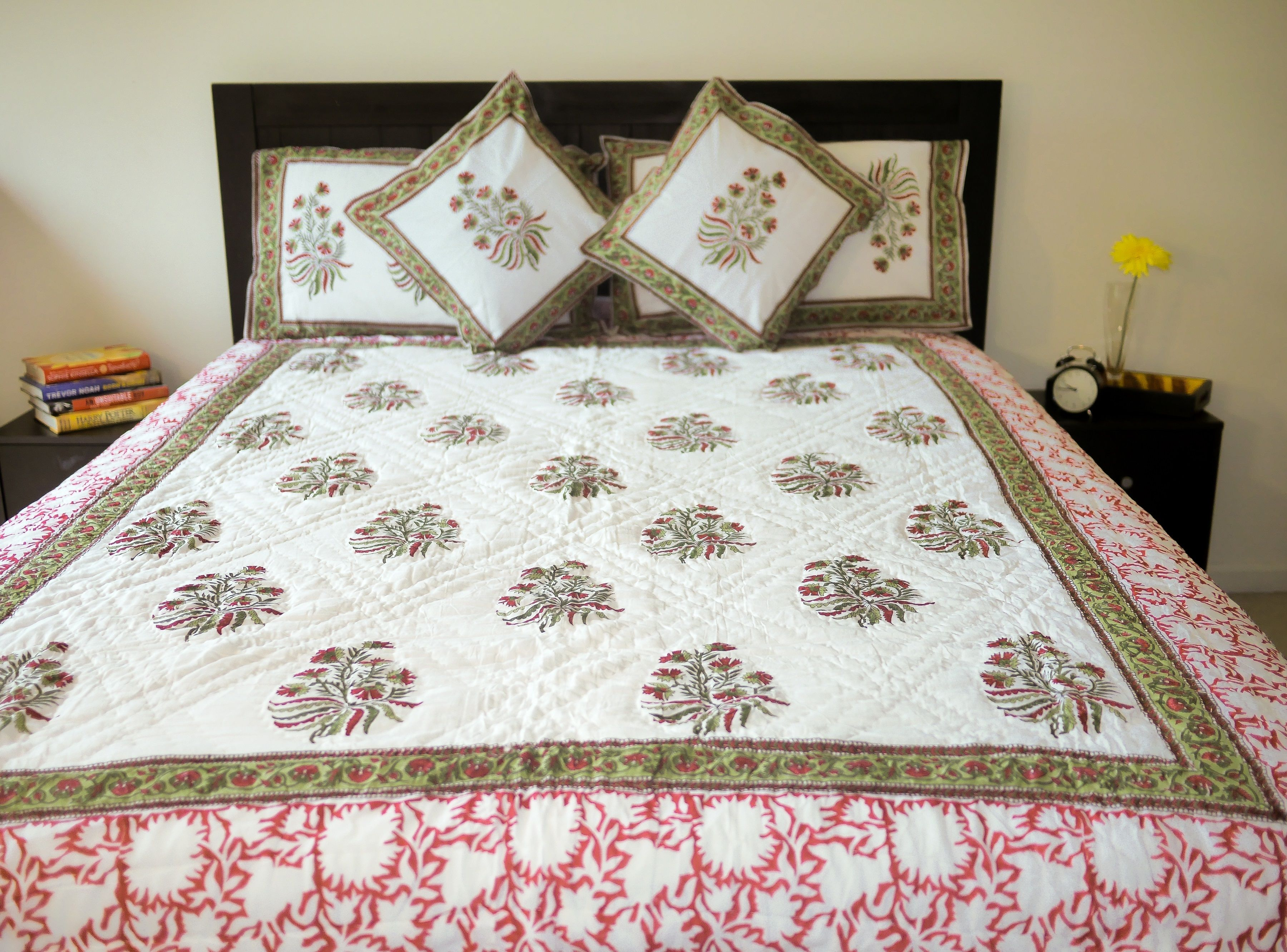 Ordinaire White And Pink Floral Motifs Hand Block Printed Cotton Muslin Quilt,Cotton  Blanket,Jaipuri Razai,bed Cover,bed Spread,comforter,duvet