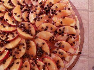 A Crafty Cook: Peanut Butter Caramel Apple Pizza