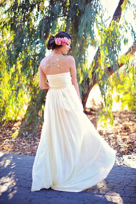 Simple Yet Elegant Strapless Sweetheart Custom Wedding Dress