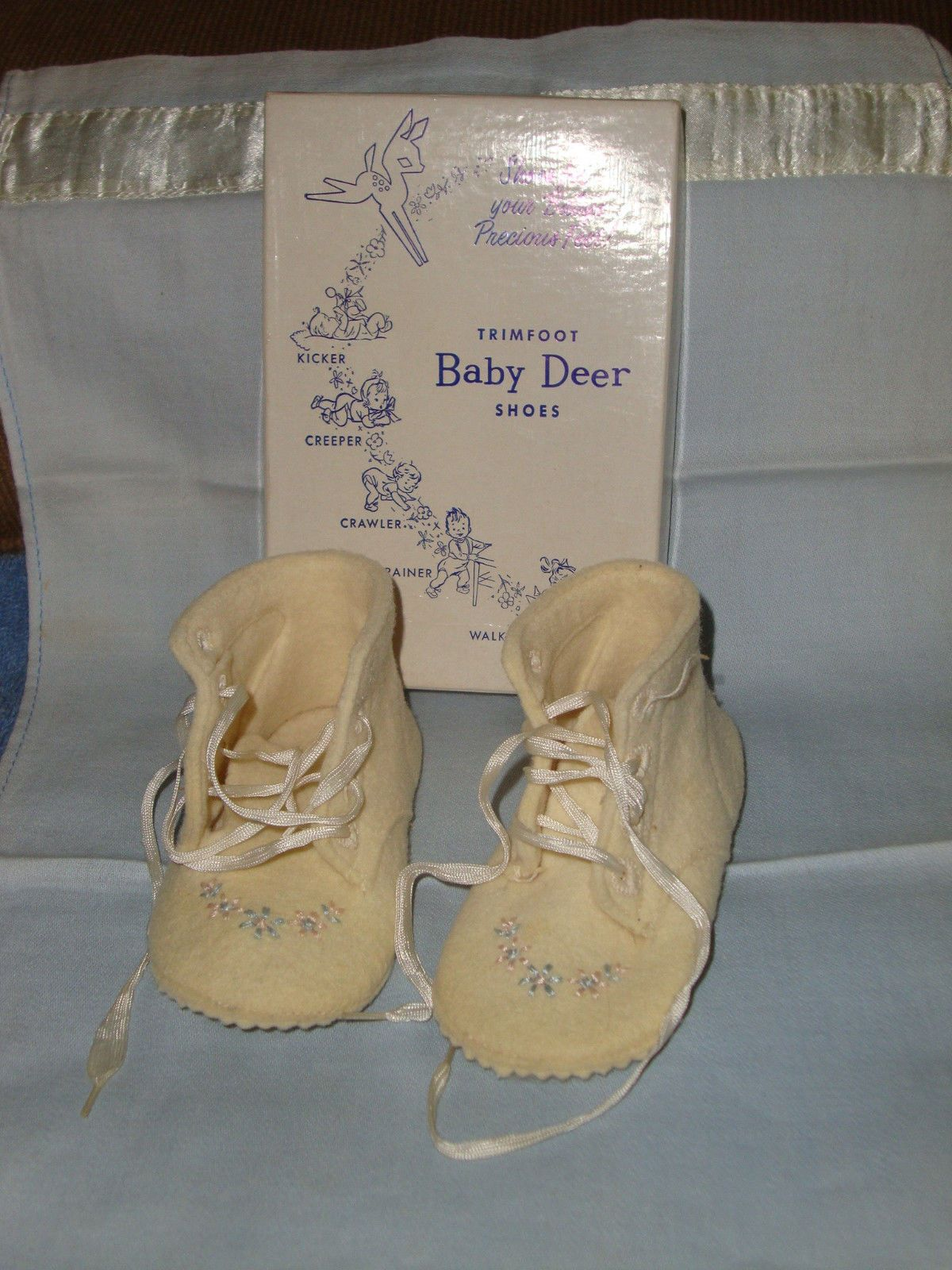 Vintage Baby Shoes Doll Shoestrimfoot Baby Deer Wool Ivory CLR Emb