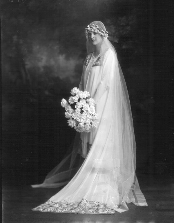 Chic Vintage 1920s Bride - Mary Burnett Scarratt