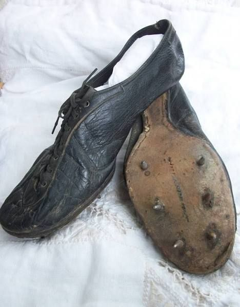 vintage running spikes   Shoes black