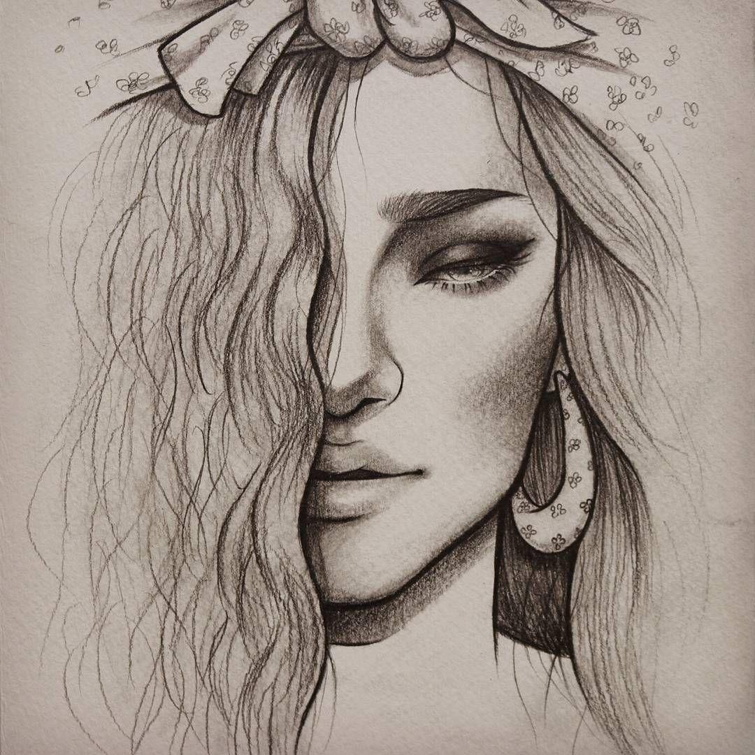 تعليم الرسم كيف ترسم بورتريه بسيط بالرصاص للمبتدئين سكتش فتاه بشعر مموج وربطه رأس رسم بورتريه Beauty Art Drawings Art Sketches Pencil Art Drawings Simple