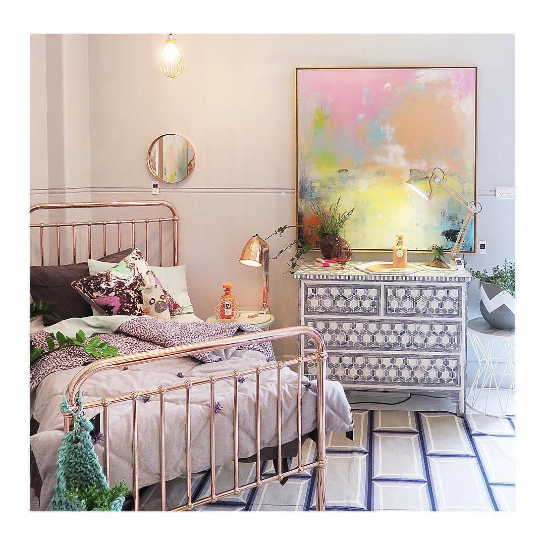 Fenton and Fenton | Bright artwork insp. | Pinterest | Camas, Marcos ...