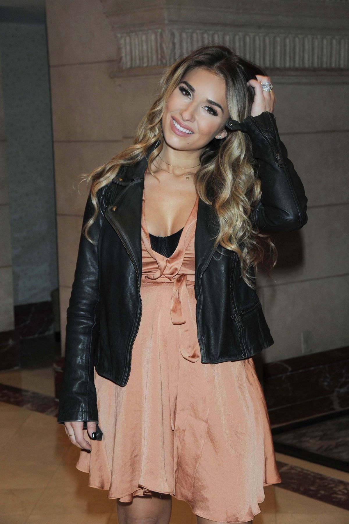 Jessie James Decker leaves Offices of Her Clothing Line