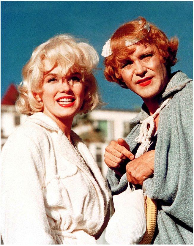 <3 MARILYN MONROE <3 Marilyn Monroe and Jack Lemmon - Some Like It Hot.