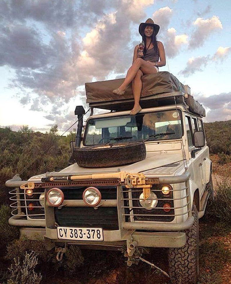 Defender 4x4 Lookout Girl Girls Love Cars Land Rover
