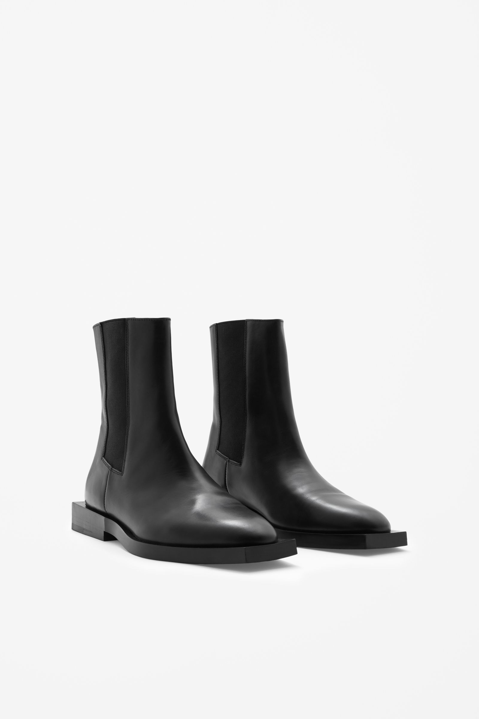 147c2b1fe7 COS Square sole Chelsea boots