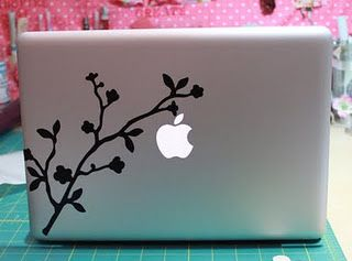 Cricut Laptop Decor I Plan On Doing Something Like This To My Computer So Excited Cricut Crafts Cricut Creations Laptop Vinyl Decal