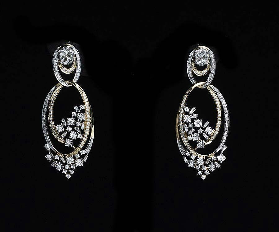 Diamond Earrings: Tanishq Diamond Earrings Collection With ...