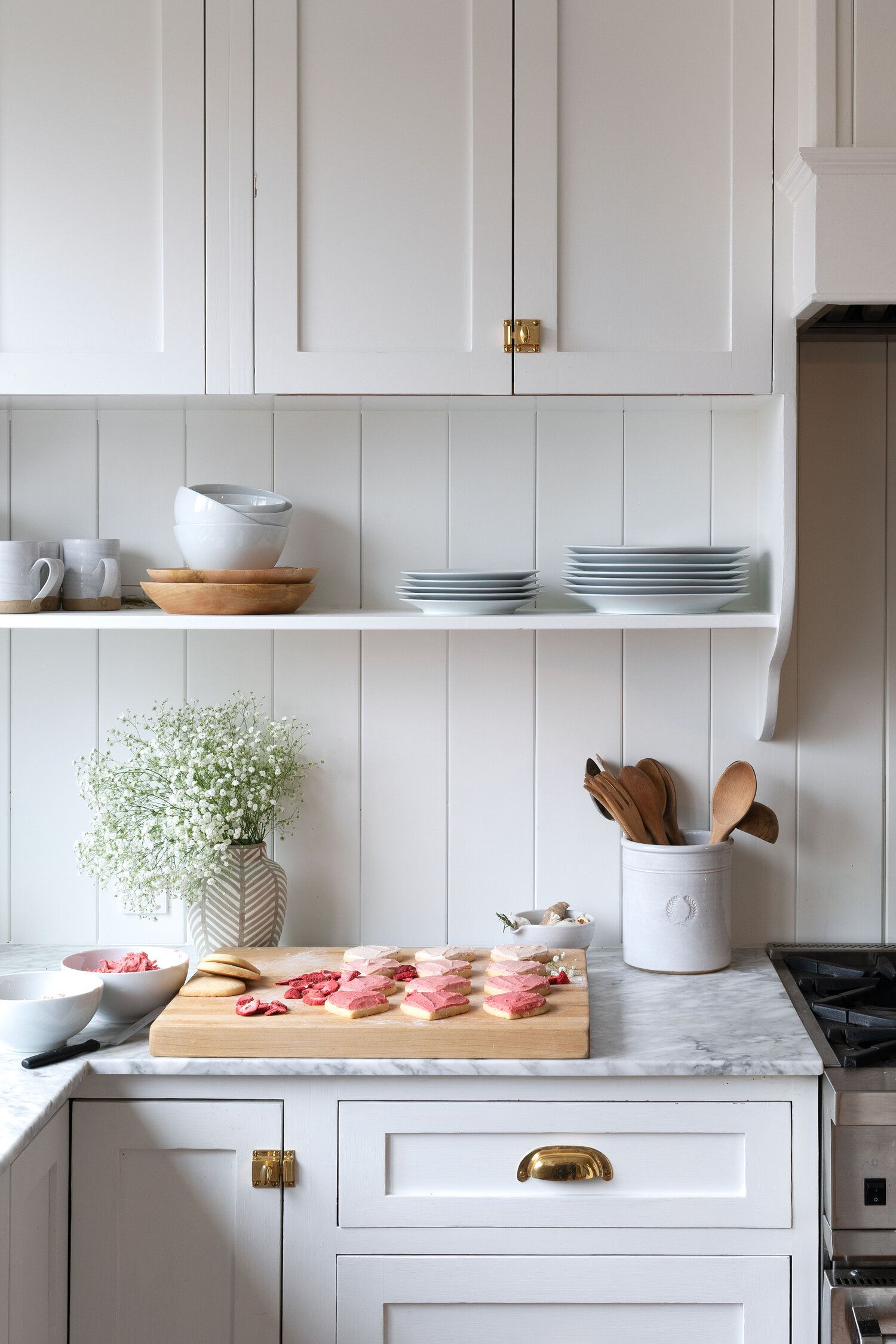 How To Naturally Color Buttercream Frosting The Grit And Polish In 2020 Kitchen Inspirations Kitchen Cabinet Remodel Kitchen