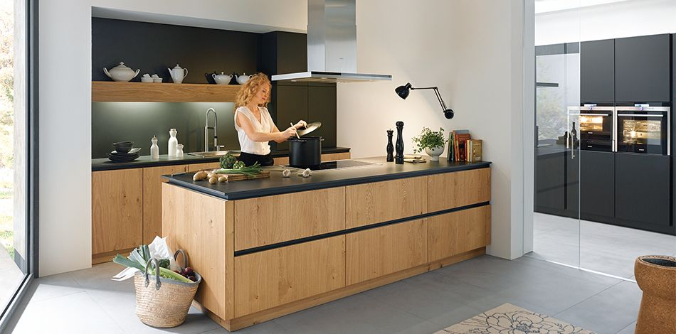 Schüller Möbelwerk KG - holzfarbene Küchen Küche Pinterest - arbeitsplatte küche nussbaum