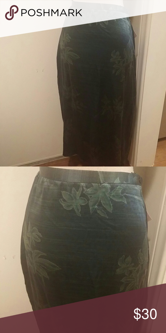 Jones New York Silk skirt brand new Silk skirt 100% Silk Jones new york. Very soft Jones New York Skirts Midi