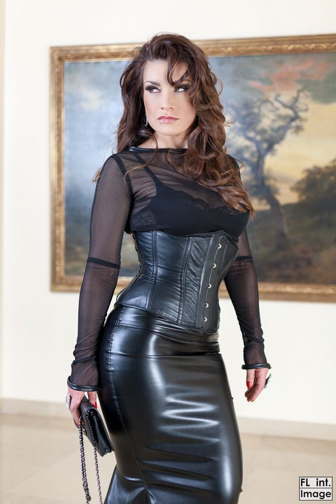 superbe en cuir dita pinterest latex leather and corset. Black Bedroom Furniture Sets. Home Design Ideas