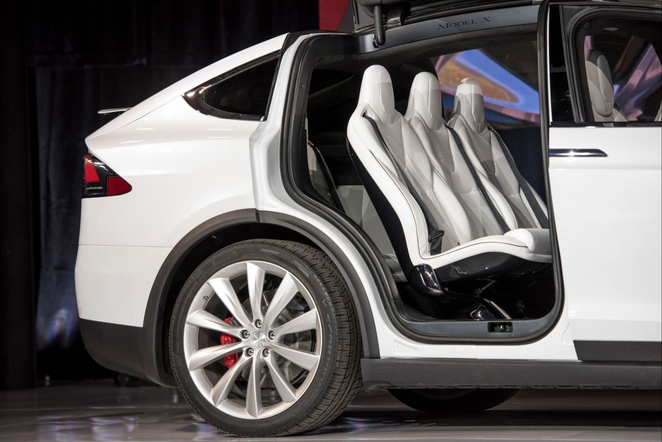 Why Tesla Is Opening Showrooms Where Cars Cant Be Purchased