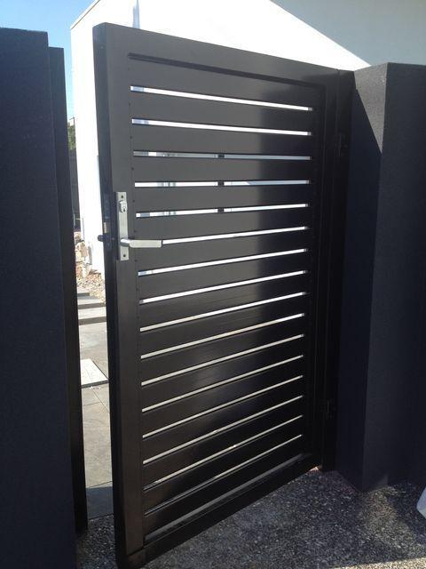 Ideal Door 10 Ft X 10 Ft 4 Star Sandtone Raised Pnl Non Insul Torsion Garage Door At Menards Garage Doors Menards Doors