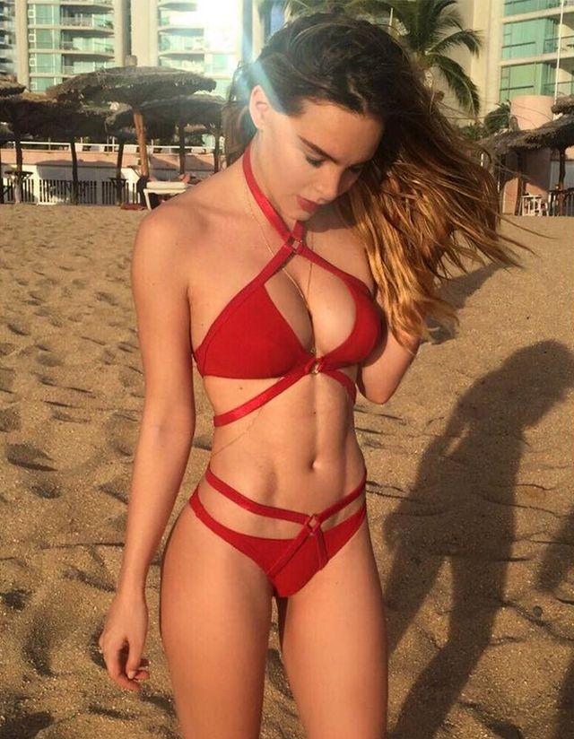 7a21600209cb Belinda incendia las redes sociales con foto | Paréntesis | bikini ...