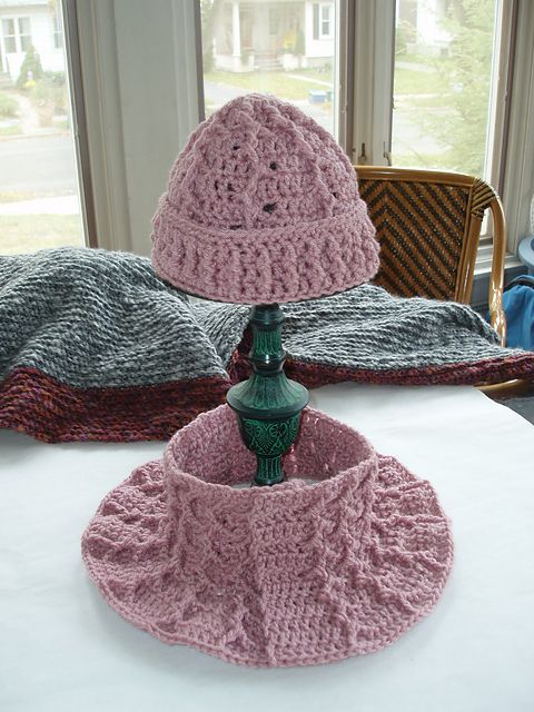 Herringbone Cowl and Hat by Janet Kuhlmann - free ravelry download ...