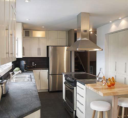كيفية ترتيب المطبخ بصورة انيقة Galley Kitchen Design Kitchen Remodel Small Small Galley Kitchen Designs