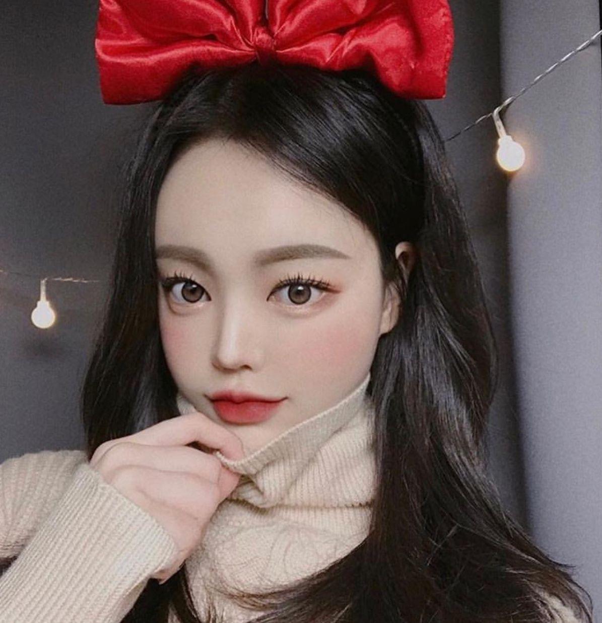 Korean style big eyes makeup | Big eyes makeup, Makeup for green eyes,  Makeup korean style