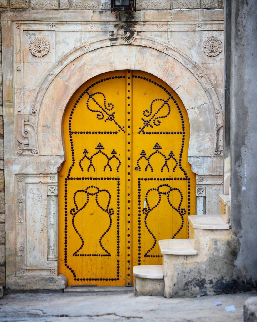 Meubles Medina Kelibia Strolling Around Kelibia I Found This Door Yellow Is My Fav