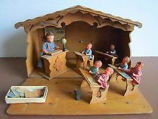 Jouet ancien ecole boite en bois figurine plastique bureau d