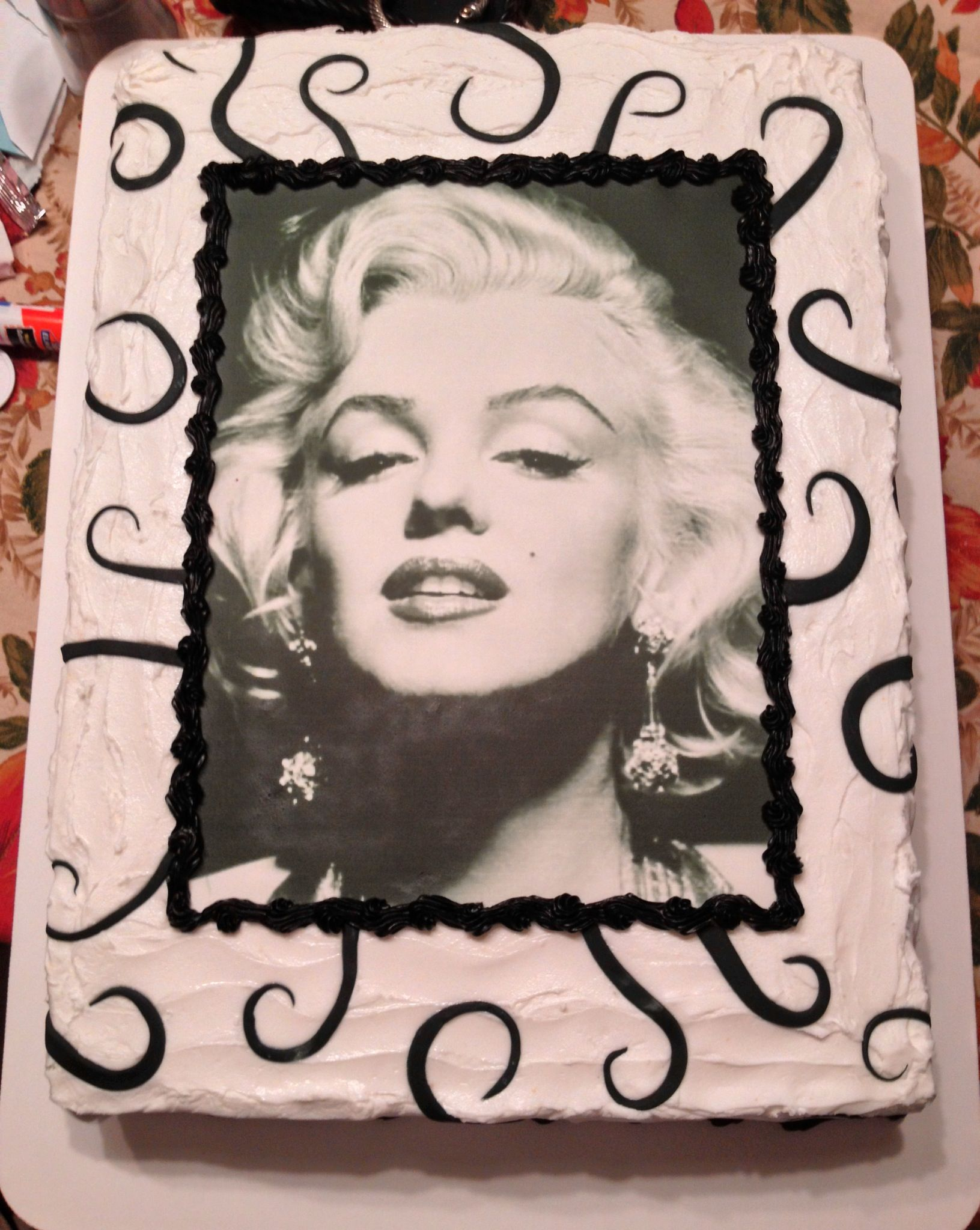 Marilyn Monroe Cake The Great Cakery In 2019 Marilyn