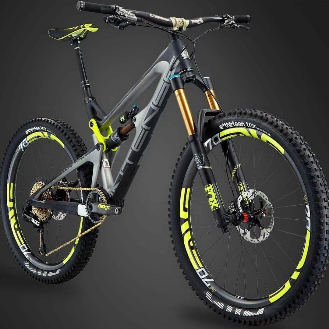 Black And Yellow Mountain Bike Sepeda Gunung Sepeda Olahraga