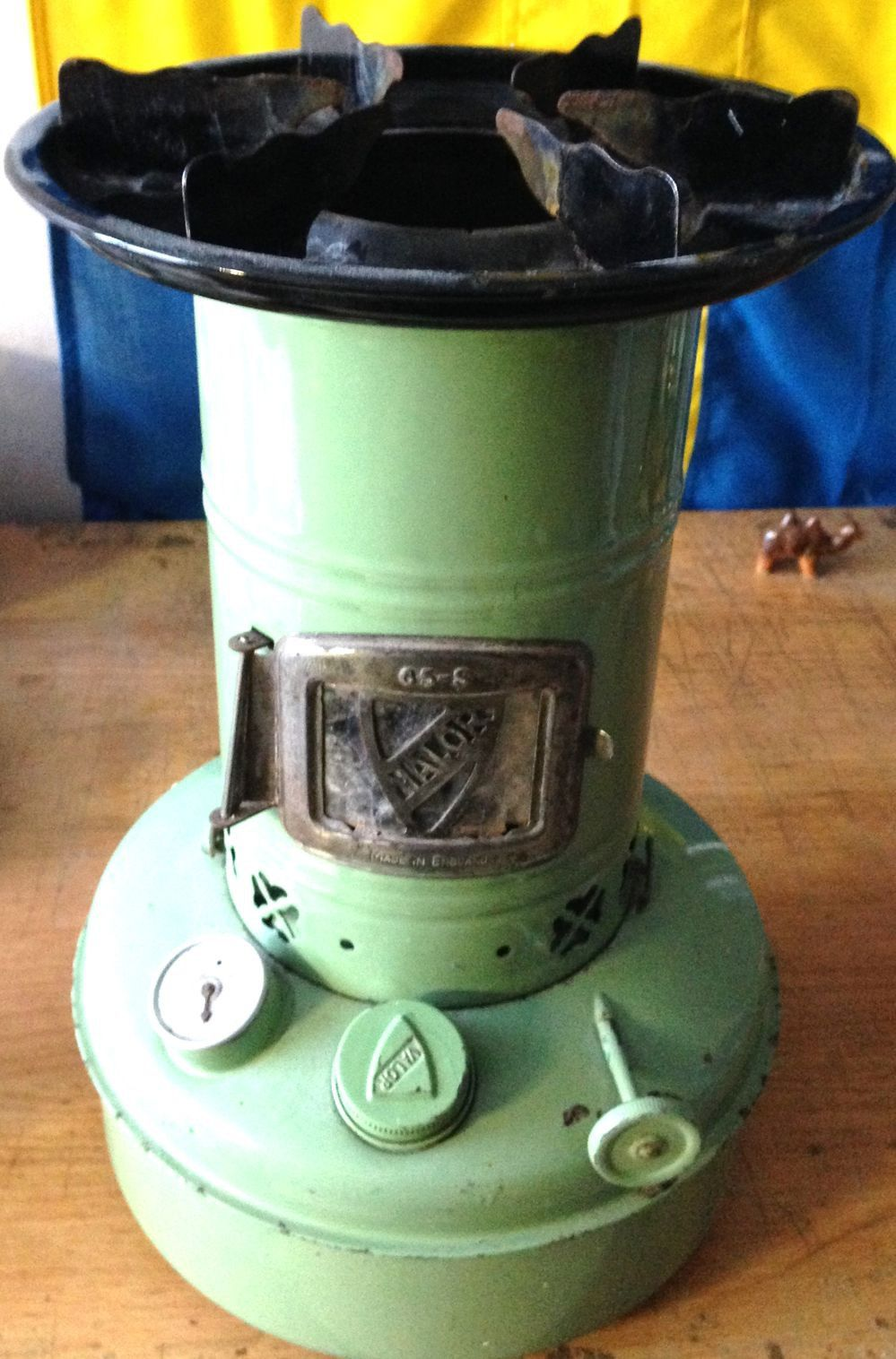 England Valor paraffin kerosene oil stove camping cooker heater ... for Kerosene Camp Stove  56mzq