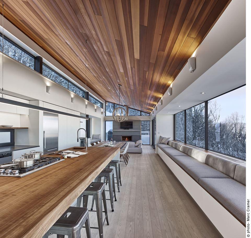 Se invece devi arredare un ufficio o un negozio abbiamo a disposizione tanti scaffali in metallo o. Laurentian Ski Chalet Picture Gallery Case Di Design Arredamento Chalet Case Moderne