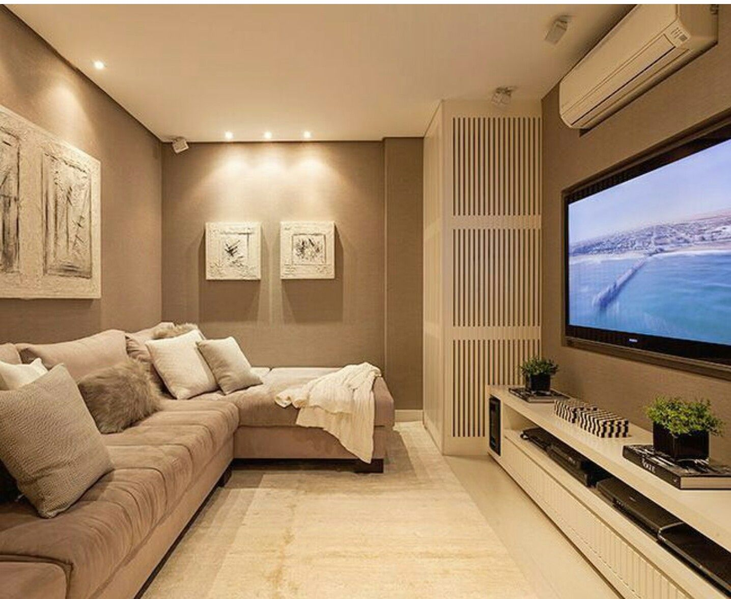 Pin de lisvet salcie en designerideas salas for Sillones para apartamentos pequenos