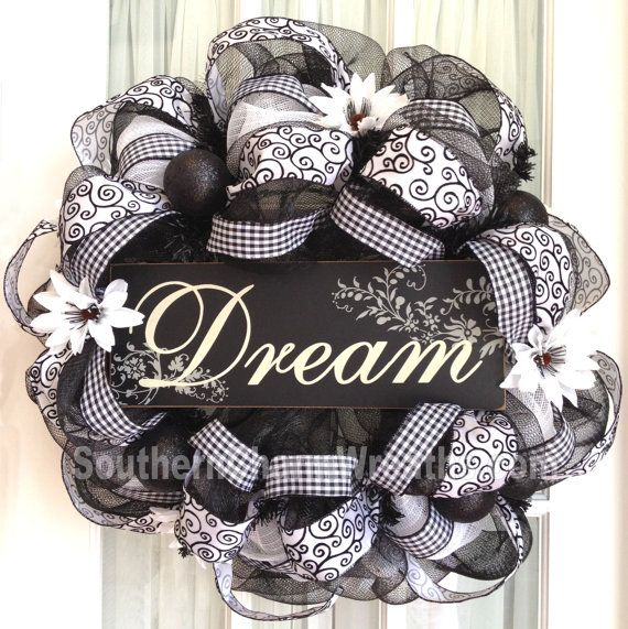 "Deco Mesh ""Dream"" Wreath"
